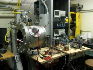 Vacuum chamber for electric thruster